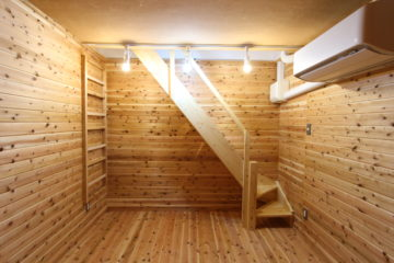 地下室も自然素材で仕上げる
