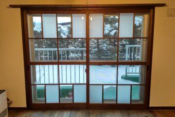 自然派リノベーションマンション・内窓をなつかし和テイストにリメイクしました。